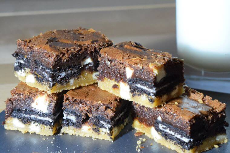 Slutty Brownies - cookie dough and oreo fudgy brownies with chocolate chips
