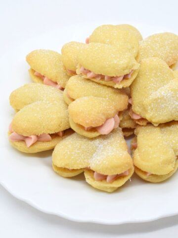 strawberry heart melting moments sandwich cookies
